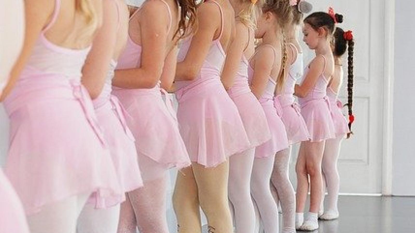ballet-2789432_640